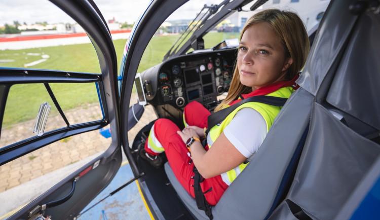 (NE)OBYČEJNÍ: Jako matce se mi u dětí zasahuje mnohem hůř, říká letecká záchranářka Jiřina Petrová